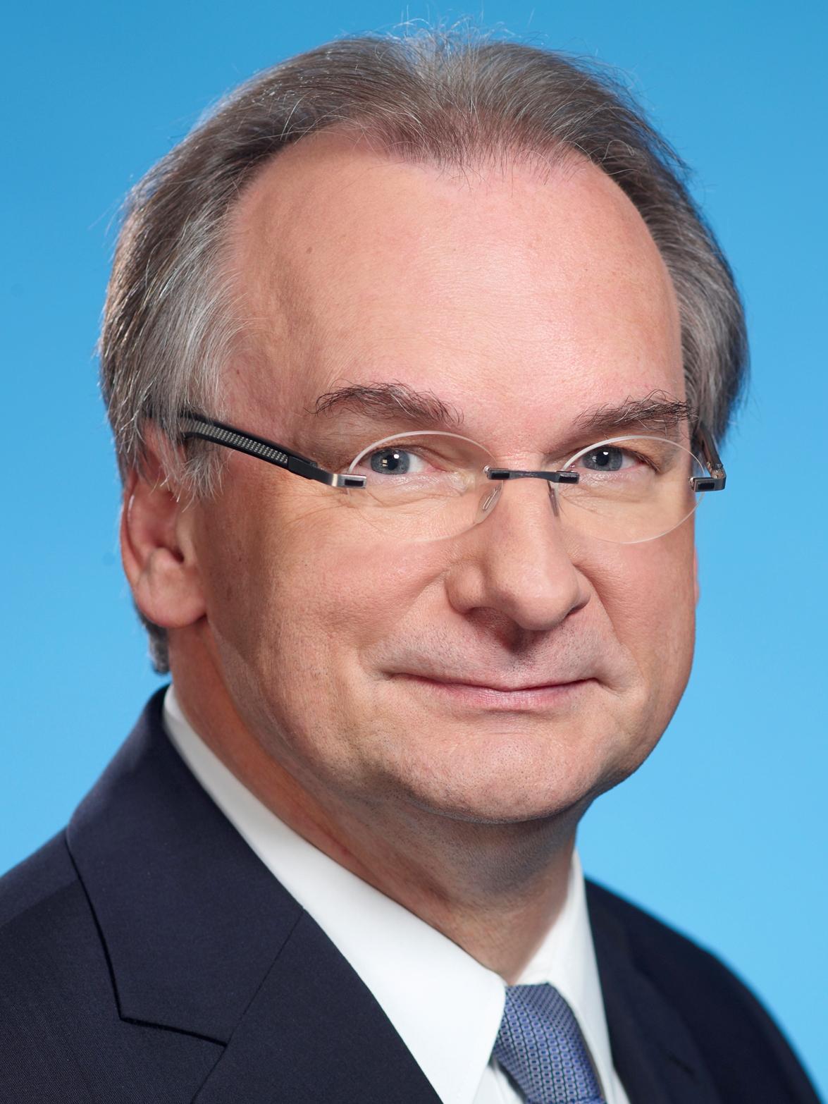 DR. REINER HASELOFF