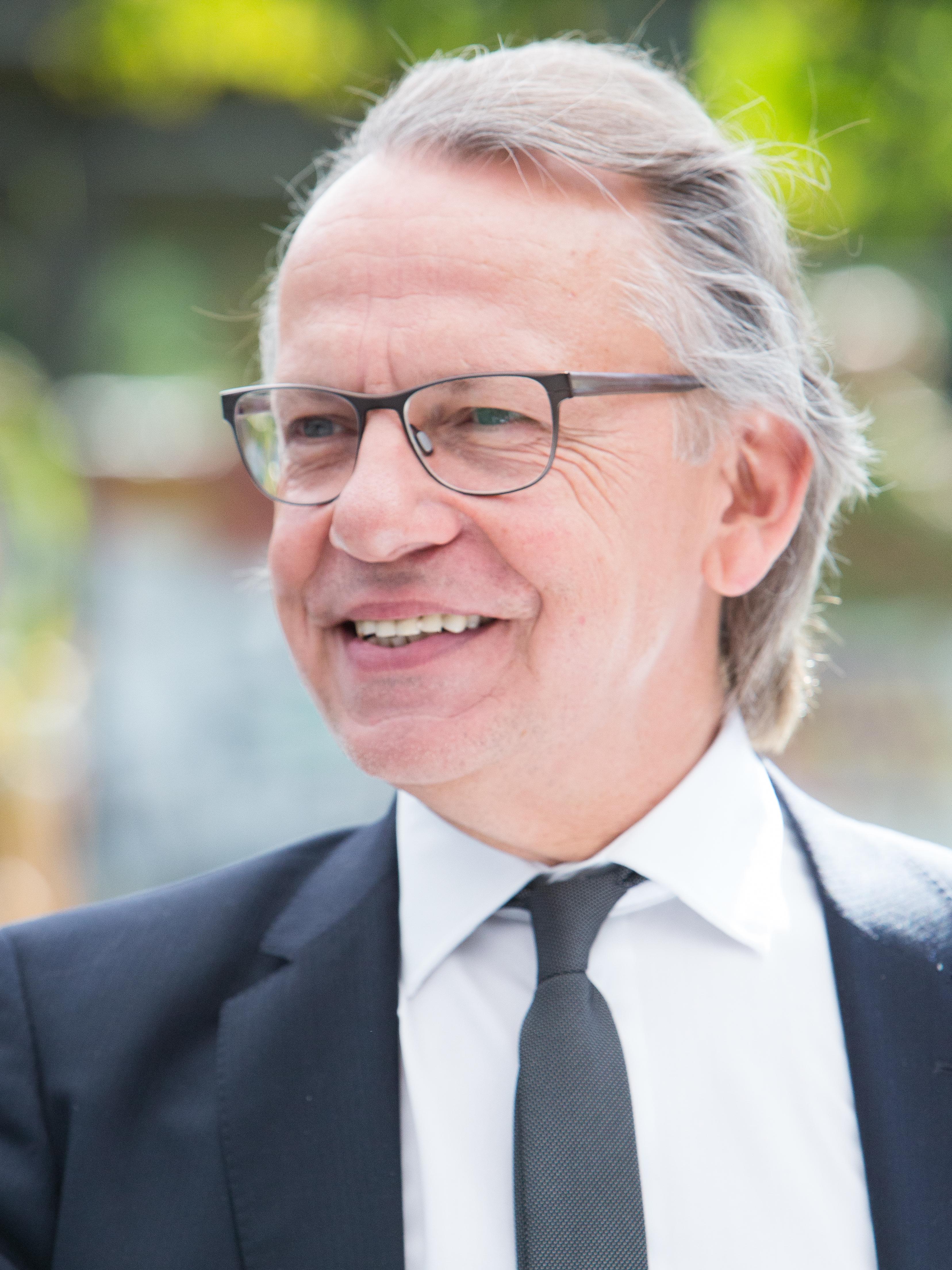 HANS-PETER HIEPE