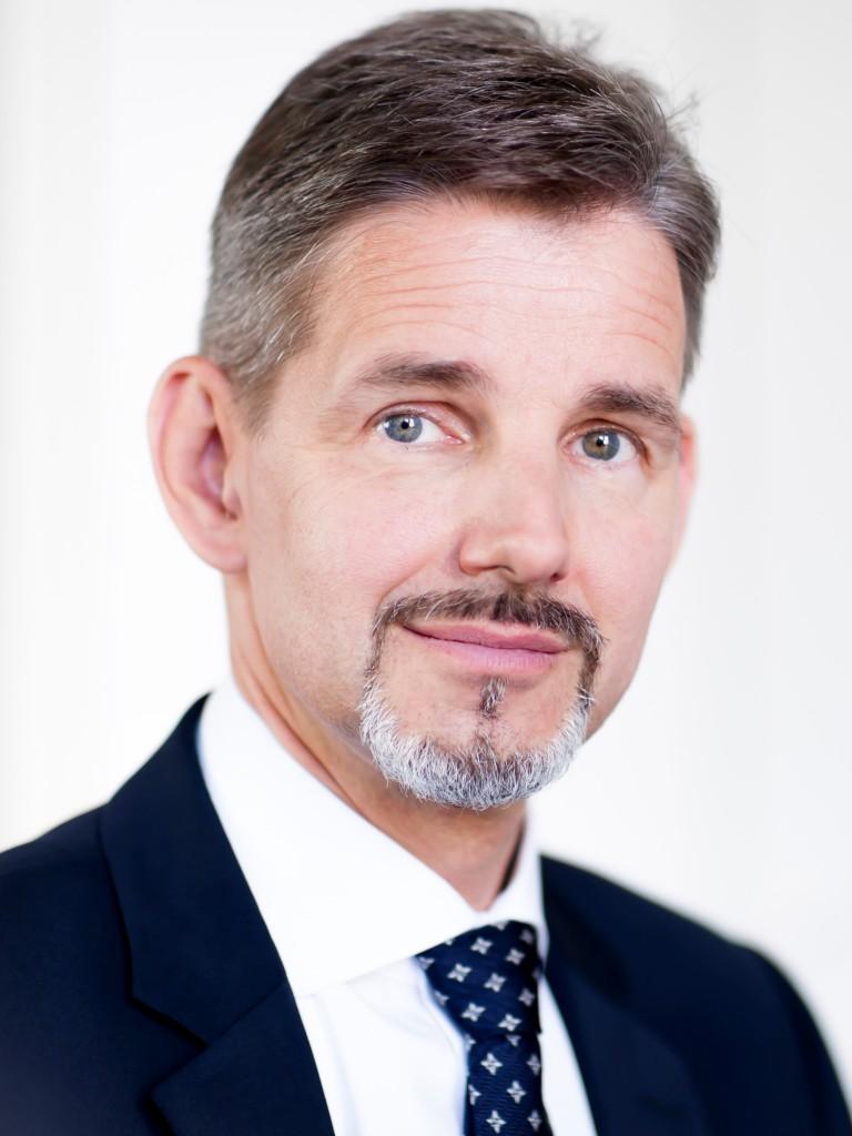 DR. STEFFEN KAMMRADT