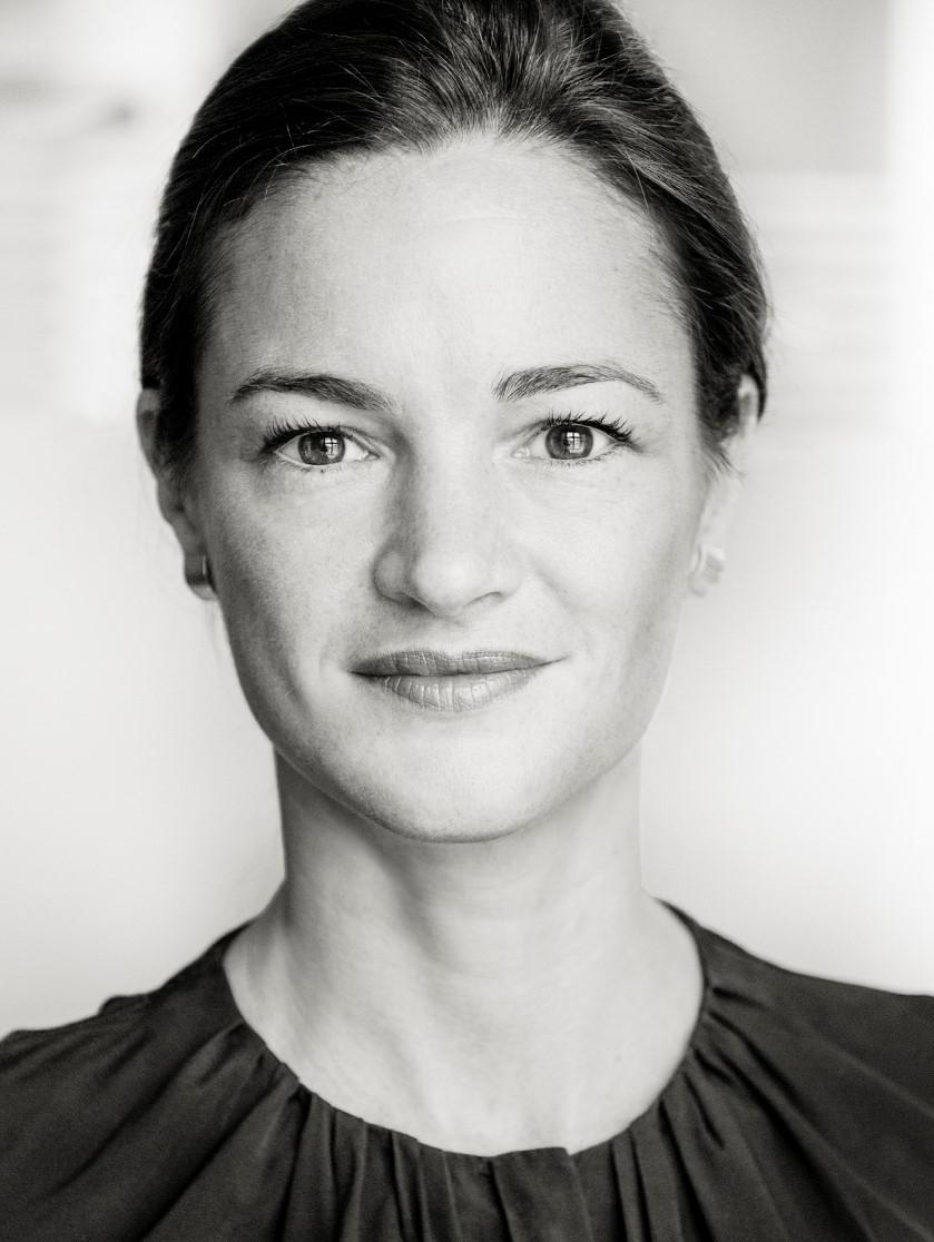 DR. ANNA HERRHAUSEN